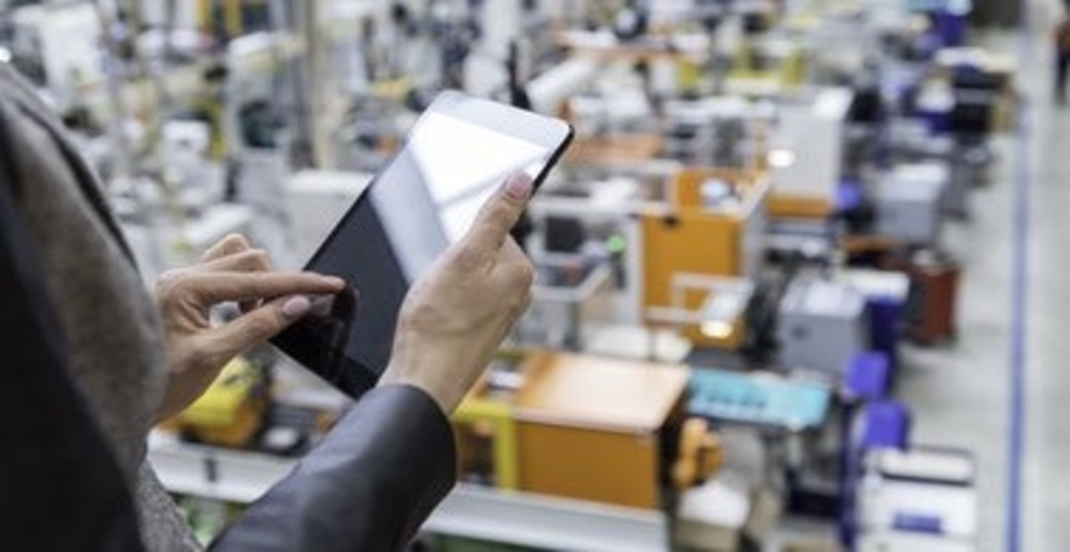 How to Move Toward a Resilient Manufacturing System